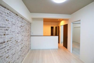 白を基調とした清潔感のある3LDK 階下にお部屋がないので音を気にせずお住い頂けます♪