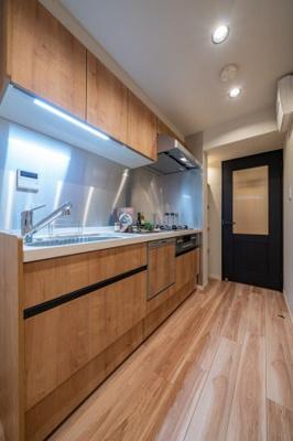 食洗機・浄水器一体型水栓付システムキッチン新規交換済。