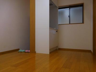 【居間・リビング】和泉ハイツ