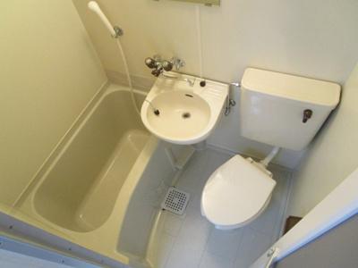 【浴室】ルイーズ中野
