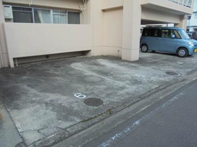 【駐車場】メローハイツ束本