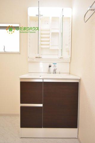 ゆとりの洗面スペースで朝の身支度もスムーズにできちゃいます!(^^)!