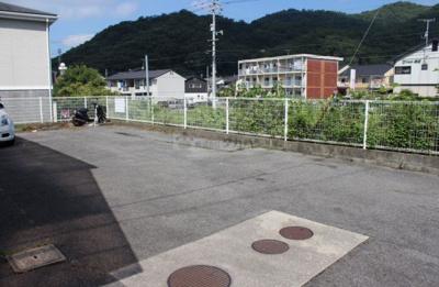 【駐車場】コーポ岡本