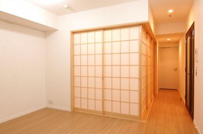 和室の障子を閉めるとこのような雰囲気になります。