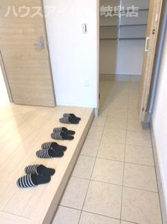 岐阜市菅生 新築建売全2棟 リビング25帖の広々空間!リビング階段!収納豊富!2階にお部屋が4つ