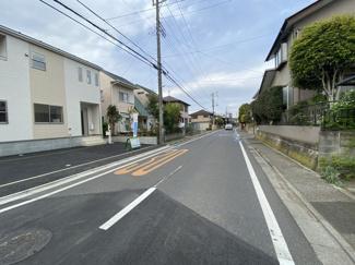 前面道路は7.9m公道です。