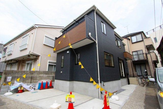 おしゃれな外観です:建物完成しました♪毎週末オープンハウス開催♪八潮新築ナビで検索♪