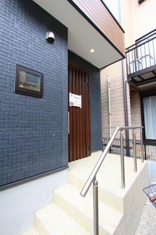 ゆったりとした玄関です:建物完成しました♪毎週末オープンハウス開催♪八潮新築ナビで検索♪