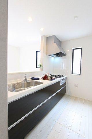 キッチンです:建物完成しました♪毎週末オープンハウス開催♪八潮新築ナビで検索♪
