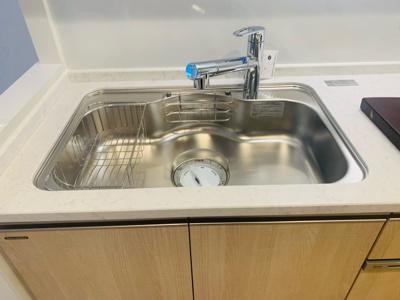 シングルレバー水栓・ディスポーザー付きの大型シンク