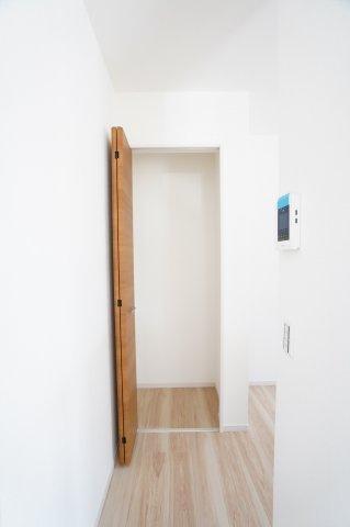 キッチン収納庫 本日、建物内覧できます。住ムパルまでお電話下さい!