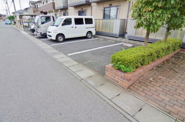 【駐車場】ソレジオ幸子