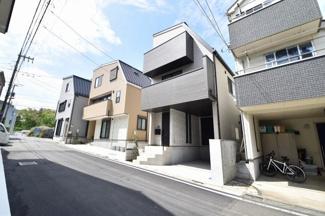閑静な住宅街に立地する新築物件!