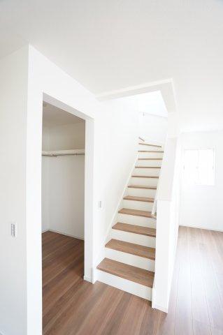 リビング階段 本日、建物内覧できます。住ムパルまでお電話下さい!