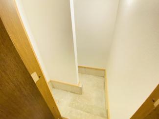 千葉市若葉区千城台北 中古一戸建て 千城台北駅 階段下には土間収納がございます!