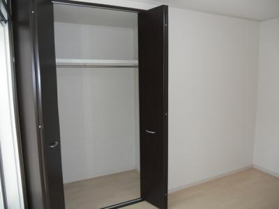 2階の洋室には各部屋にクローゼットがあります。