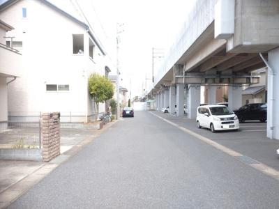 「新鎌ヶ谷駅」まで徒歩8分。 忙しい朝の時間にゆとりが持てる駅近。