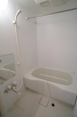 【浴室】ルーピンクーハウス