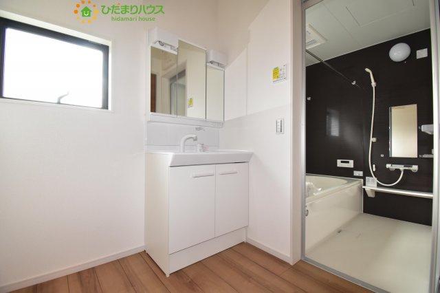 【浴室】鴻巣市箕田 5期 新築一戸建て リッカ 02