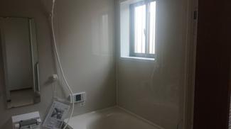 窓付き浴室