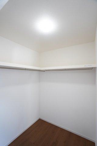 2階7.5帖 大容量の収納です。季節を問わずたっぷりの衣類を収納できます。