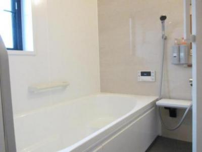 【浴室】鳥取市若葉台南5丁目中古戸建て