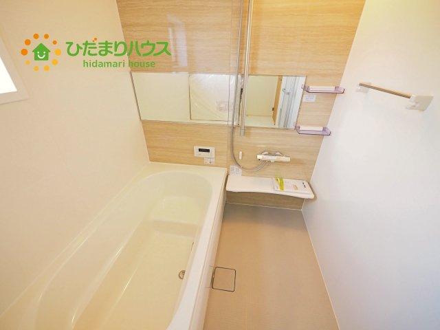 空気もこもらずいつもクリーンな浴室乾燥機付!