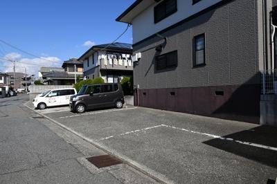 【駐車場】秋桜ハイツ