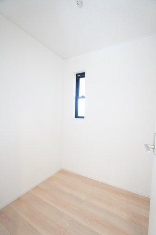 2階ホールに納戸があります 同仕様施工例