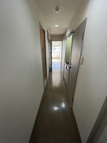 【玄関】ライベストコート姪浜