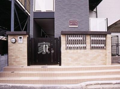 【エントランス】レオパレスYOSHIKO (36428-302)