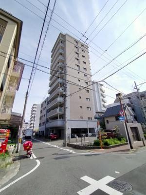 ◎大阪メトロ谷町線『太子橋今市駅』徒歩1分!駅近3WAYアクセス可能な好立地です ◎小中学校が近くお子様の通学が安心ですね♪ ◎周辺施設充実で生活至便な環境です。