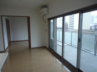 【居間・リビング】エステムコート川西能勢口 5階