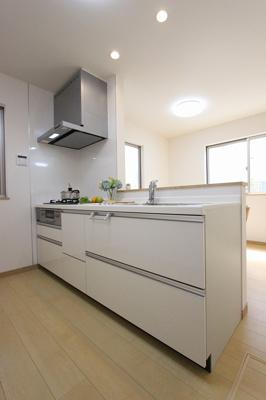 キッチンでお料理をお楽しみください:建物完成しました♪三郷新築ナビで検索♪