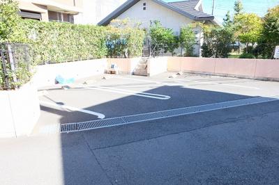 【駐車場】アルバルーチェ