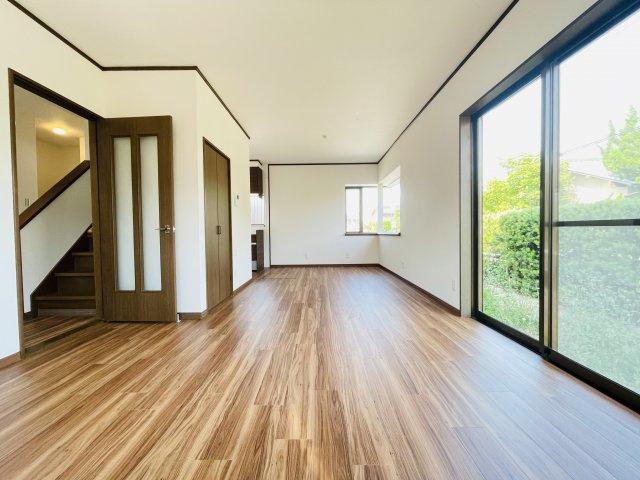 フルリフォーム済のオール電化住宅です。LDKの広さは約15帖と広々 水回りすべて新品で快適に新生活をスタートできます