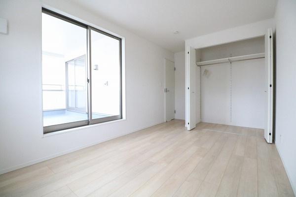 2階7.2帖の洋室♪