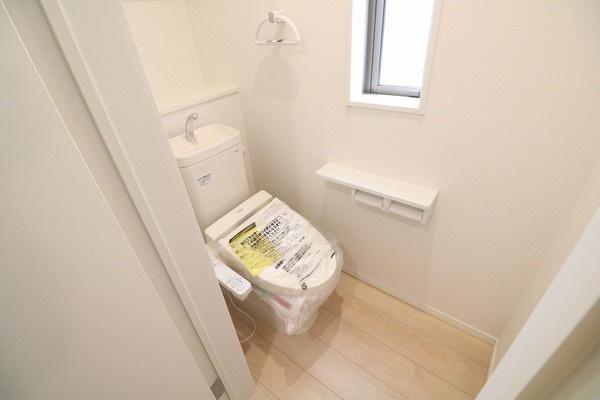 1F2Fに快適なシャワートイレ付き♪