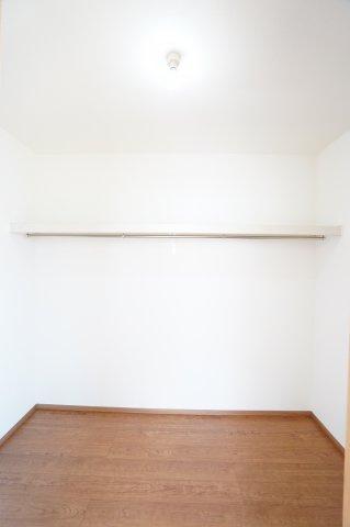 【同仕様施工例】各居室クローゼットあります。使い勝手のよいシンプルなクローゼットです。