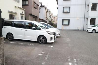 【駐車場】プチ・ロワイヤル