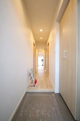 玄関です 三郷新築ナビで検索