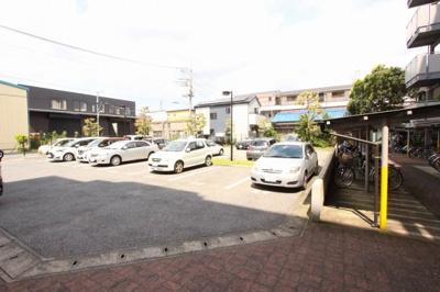 駐車場があるので、車を買う予定の方も安心です:三郷新築ナビで検索♪