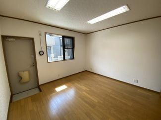 千葉市稲毛区黒砂台 中古一戸建て 稲毛駅 洋室全室6帖以上の、ゆとりのある間取りです。