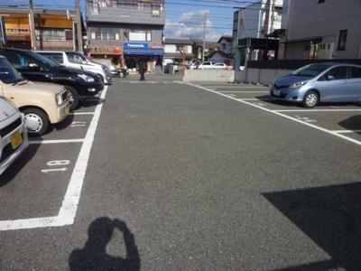 【駐車場】ロイヤル暁 (株)Roots