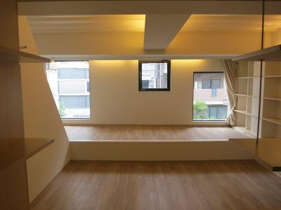 【居間・リビング】西新宿4丁目 賃貸併用住宅