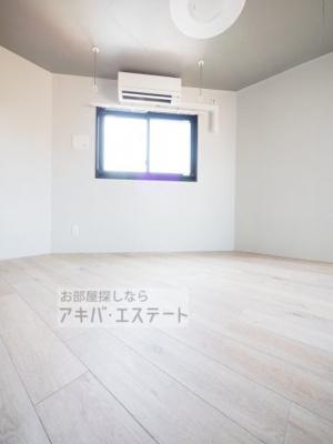 【居間・リビング】フェリーチェ三ノ輪