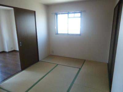 和室(入居前に畳交換)