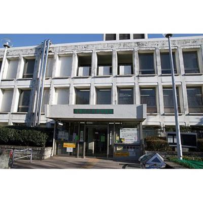 図書館「板橋区立中央図書館まで1064m」