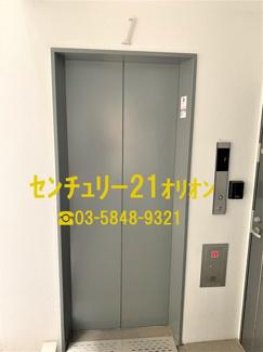 【エントランス】ゲートフィールド練馬