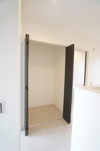 2階廊下 本日、建物内覧できます。住ムパルまでお電話下さい!